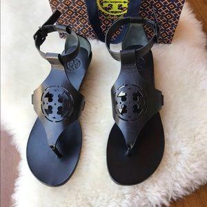 ☄️☄️Tory Burch Zoey Black Size 7.5 Brand New ☄️☄️
